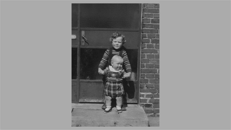 Bent og Lars i Låsby 1957