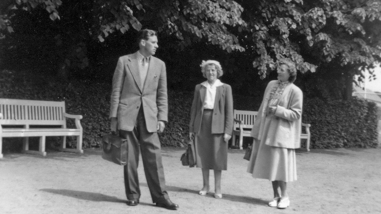 Lærer Rødbro, frk. Lassen og fru Rødbro.