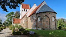 Grønbæk Kirke fra sydøst