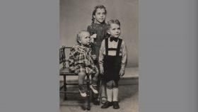 Ruth, Birthe, Thorkild ca. 1949