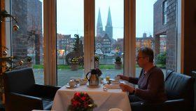 Morgenmad med udsigt til Altstadt