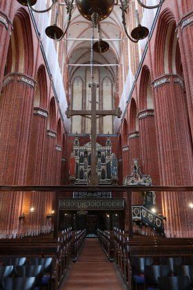 Nikolaikirken mod vest med orgelet