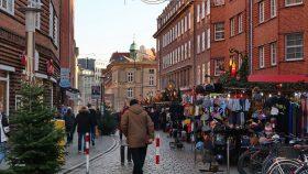 Hovedgaden med juleboder