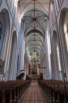 Domkirken i Schverin - hvælvingshøjde ca. 27 m.